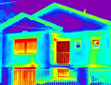Τοποθέτηση συστήματος θερμοπρόσοψης και κουφωμάτων χωρίς θερμογέφυρες